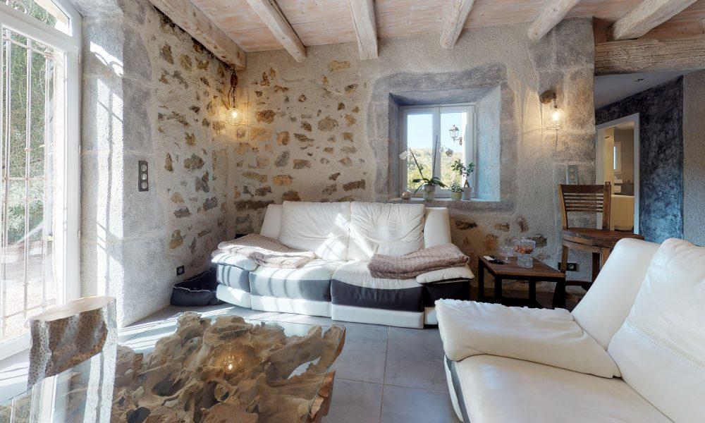 Palasca-Living-Room
